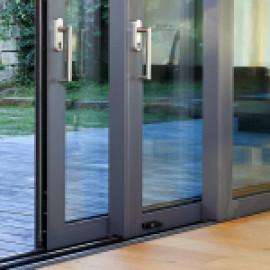 Подъёмно-раздвижные двери в частном строительстве
