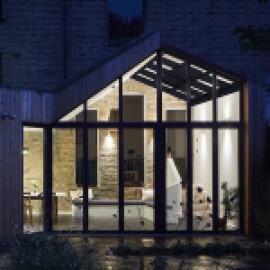 Стеклянный зимний сад не нарушит инсоляцию здания