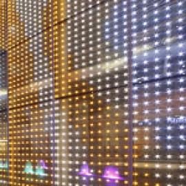 LED-освещение стеклянных конструкций в интерьере