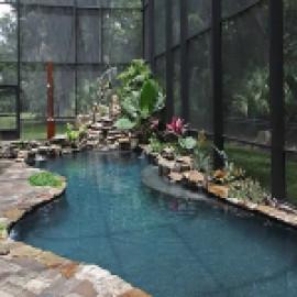 Стеклянный бассейн… зимой и летом