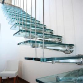 Стеклянная лестница Schuco - бриллиант вашего интерьера